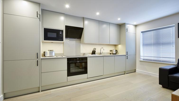 Kitchen at Imperial Court Apartments - Citybase Apartments